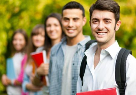 کمک کانادا به دانش آموزان
