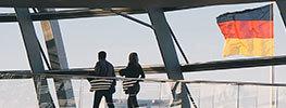آیا برای مهاجرت به آلمان باید حتما از طریق وکیل اقدام کنیم؟